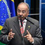 Suspendieron al senador brasileño investigado por d…