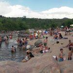 Cerraron cuatros balnearios en Punilla por la gran cantidad de personas.